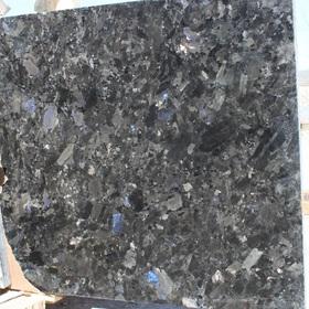 Лабрадорит Очеретянка полоса полированная размером 630хLх30 мм (L > 2000 мм) (полуслэб)